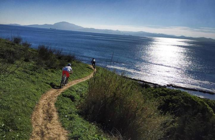 Rutas en bicicleta por la Costa de Tarifa. Foto David Moreno
